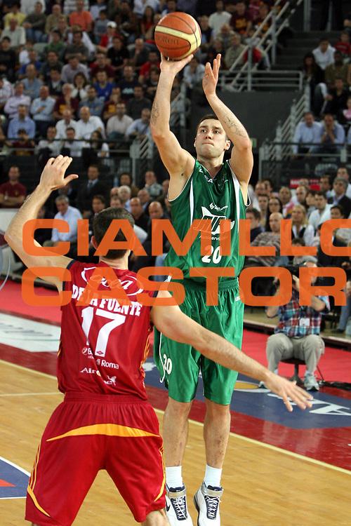 DESCRIZIONE : Roma Lega A1 2007-08 Playoff Semifinale Gara 1 Lottomatica Virtus Roma Air Avellino<br />GIOCATORE : Catalin Burlacu<br />SQUADRA : Lottomatica Air Avellino<br />EVENTO : Campionato Lega A1 2007-2008 <br />GARA : Lottomatica Virtus Roma Air Avellino<br />DATA : 23/05/2008 <br />CATEGORIA : Tiro <br />SPORT : Pallacanestro <br />AUTORE : Agenzia Ciamillo-Castoria/G.Ciamillo<br />Galleria : Lega Basket A1 2007-2008 <br />Fotonotizia : Roma Campionato Italiano Lega A1 2007-2008 Playoff Semifinale Gara 1 Lottomatica Virtus Roma Air Avellino<br />Predefinita :