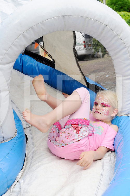 NIEUWLEUSEN - kinderspelmiddag<br /> Foto: kinderspelmiddag in Nieuwleusen.<br /> FFU PRESS AGENCY COPYRIGHT SANDER UIJLENBROEK