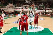 DESCRIZIONE : Siena Lega A 2012-13 Montepaschi Siena Scavolini Banca Marche PU Pesaro<br /> GIOCATORE : Bobby Brown<br /> CATEGORIA : penetrazione tiro<br /> SQUADRA : Montepaschi Siena<br /> EVENTO : Campionato Lega A 2012-2013 <br /> GARA : Montepaschi Siena Scavolini Banca Marche PU Pesaro<br /> DATA : 21/10/2012<br /> SPORT : Pallacanestro <br /> AUTORE : Agenzia Ciamillo-Castoria/P.Lazzeroni<br /> Galleria : Lega Basket A 2012-2013  <br /> Fotonotizia : Siena Lega A 2012-13 Montepaschi Siena Scavolini Banca Marche PU Pesaro<br /> Predefinita :