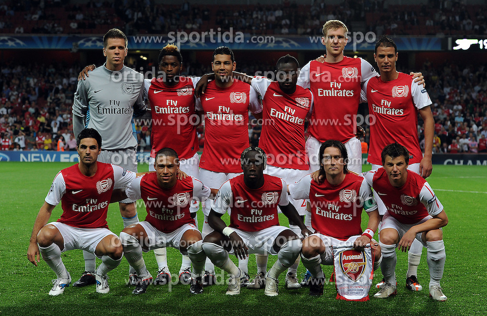28.09.2011, Emirates Stadium, London, ENG, UEFA CL, Gruppe F, FC Arsenal (ENG) vs Olympiakos Piräus (GRE), im Bild Arsenal team group(L-R) Wojciech Szczesny, Alex Song, Andre Santos, Emmanuel Frimpong, Per Mertesacker, Marouane Chamakh, Mikel Arteta, Alex Oxlade-Chamberlain, Bacary Sagna, Tomas Rosicky and Andrie Arshavin // during the UEFA Champions League game, group F, ENG, UEFA CL, FC Arsenal (ENG) vs Olympiakos Piräus (GRE) at Emirates Stadium in London, United Kingdom on 2011/09/28. EXPA Pictures © 2011, PhotoCredit: EXPA/ Propaganda Photo/ Chris Brunskill +++++ ATTENTION - OUT OF ENGLAND/GBR+++++