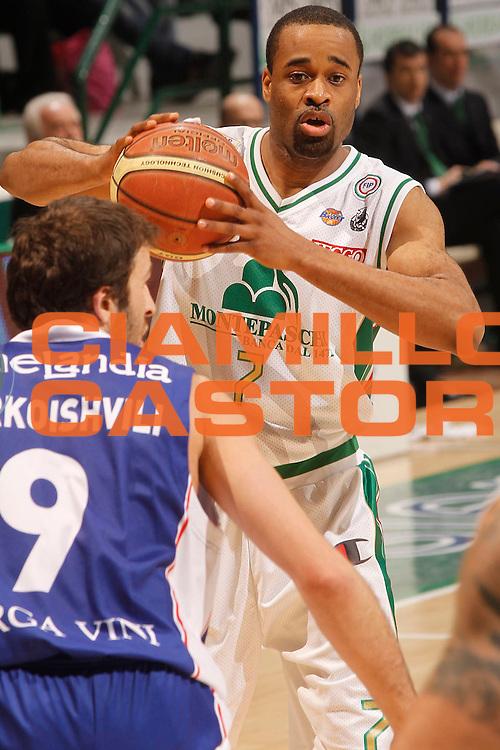DESCRIZIONE : Siena Lega A 2010-11 Montepaschi Siena Bennet Cantu<br /> GIOCATORE : Malik Hairston<br /> SQUADRA : Montepaschi Siena<br /> EVENTO : Campionato Lega A 2010-2011<br /> GARA : Montepaschi Siena Bennet Cantu<br /> DATA : 27/02/2011<br /> CATEGORIA : passaggio<br /> SPORT : Pallacanestro<br /> AUTORE : Agenzia Ciamillo-Castoria/P.Lazzeroni<br /> Galleria : Lega Basket A 2010-2011<br /> Fotonotizia : Siena Lega A 2010-11 Montepaschi Siena Bennet Cantu<br /> Predefinita :