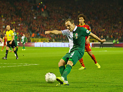 BRUSSELS, BELGIUM - Tuesday, October 15, 2013: Wales' David Vaughan in action against Belgium during the 2014 FIFA World Cup Brazil Qualifying Group A match at the Koning Boudewijnstadion. (Pic by David Rawcliffe/Propaganda)