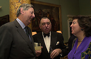 Lord de Ramsay and Mr. and Mrs. Ian MacNicol. The Spencer House draw in aid of the Countryside Alliance. 28 November 2000. © Copyright Photograph by Dafydd Jones 66 Stockwell Park Rd. London SW9 0DA Tel 020 7733 0108 www.dafjones.com