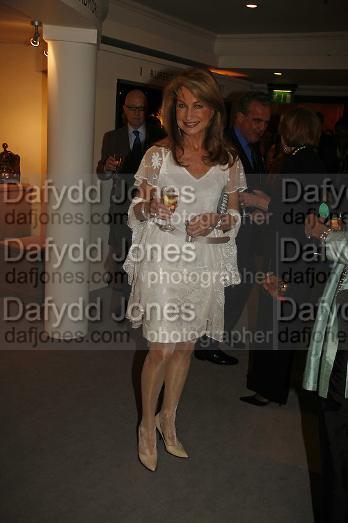 Maureen Sutherland-Smith, Gala champagne reception and dinner in aid of CLIC Sargent.  Grosvenor House Art and Antiques Fair.  Grosvenor House. Park Lane. London. 15  June 2006. ONE TIME USE ONLY - DO NOT ARCHIVE  © Copyright Photograph by Dafydd Jones 66 Stockwell Park Rd. London SW9 0DA Tel 020 7733 0108 www.dafjones.com
