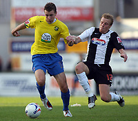 Photo: Paul Thomas.<br /> Grimsby Town v Hereford United. Coca Cola League 2. 08/10/2006.<br /> <br /> Andy Williams (L) of Hereford gets away from Ricky Ravenhill.