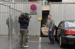 21.11.2010, Trainingsgelaende Werder Bremen, Bremen, GER, 1. FBL, Training Werder Bremen, im Bild Klaus Allofs (Geschaeftsfuehrer Werder Bremen) wird von zahlreichen Journalisten empfangen   EXPA Pictures © 2010, PhotoCredit: EXPA/ nph/  Frisch****** out ouf GER ******