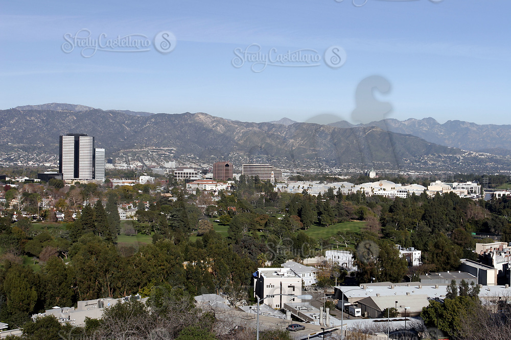 Jan 15, 2005; Hollywood, CA, USA; Overview of the Warner Brothers Lot with a clear view of the valley hills behind from uptop at the Universal Studios Theme Park in Hollywood. Warner Bros is home to many sound stages  where TV shows and Movies are made produced in Los Angeles. Mandatory Credit: Photo by Shelly Castellano/ZUMA Press.