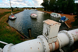 UK ENGLAND NORFOLK LUDHAM BRIDGE 8AUG06 - Waterway at Ludham Bridge in the Norfolk Broads...jre/Photo by Jiri Rezac..© Jiri Rezac 2006..Contact: +44 (0) 7050 110 417.Mobile:  +44 (0) 7801 337 683.Office:  +44 (0) 20 8968 9635..Email:   jiri@jirirezac.com.Web:    www.jirirezac.com..© All images Jiri Rezac 2006 - All rights reserved.