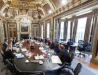 Nederland. Den Haag, 15 oktober 2010.<br /> In de Treveszaal vindt vrijdag de eerste vergadering van de ministerraad van het nieuwe kabinet plaats. Rutte I, kabinet Rutte, eerste kabinet Rutte. Leers, Schippers, Hillen, Rosenthal, de Jager, Verhagen, Opstelten, van Bijsterveldt, Kamp, Schultz van Haegen, Donner, Rutte,<br /> kabinet Rutte<br /> foto © Martijn Beekman
