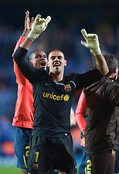 LONDON, ENGLAND - Wednesday, May 6, 2009: Barcelona's goalkeeper Victor Valdes celebrates after a dramatic injury time winning away goal defeated Chelsea during the UEFA Champions League Semi-Final 2nd Leg match at Stamford Bridge. (Photo by David Rawcliffe/Propaganda)