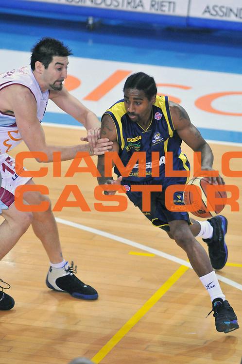 DESCRIZIONE : Rieti Lega A1 2007-08 Solsonica Rieti Legea Scafati<br /> GIOCATORE : Marcus Hatten<br /> SQUADRA : Legea Scafati<br /> EVENTO : Campionato Lega A1 2007-2008 <br /> GARA : Solsonica Rieti Legea Scafati <br /> DATA : 09/03/2008<br /> CATEGORIA : Palleggio<br /> SPORT : Pallacanestro <br /> AUTORE : Agenzia Ciamillo-Castoria/E. Grillotti