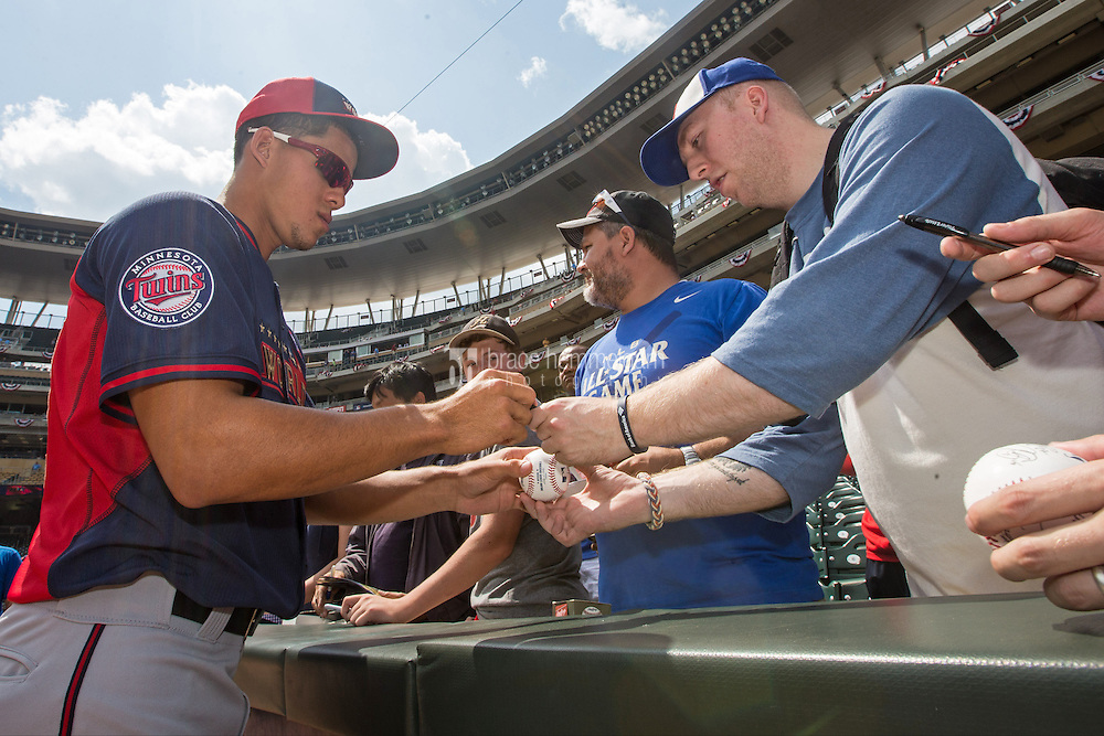 MINNEAPOLIS, MN- JULY 13: Jose Berrios #37 of the World Team during the SiriusXM All-Star Futures Game at Target Field on July 13, 2014 in Minneapolis, Minnesota. (Photo by Brace Hemmelgarn) *** Local Caption *** Jose Berrios