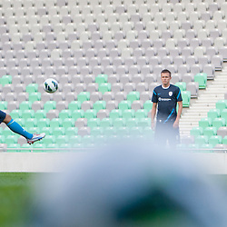 20120813: SLO, Football - Practice session of Slovenian National team