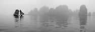 Vietnam Images-landscape-seascape-Ha<br /> long bay ho&agrave;ng thế nhiệm