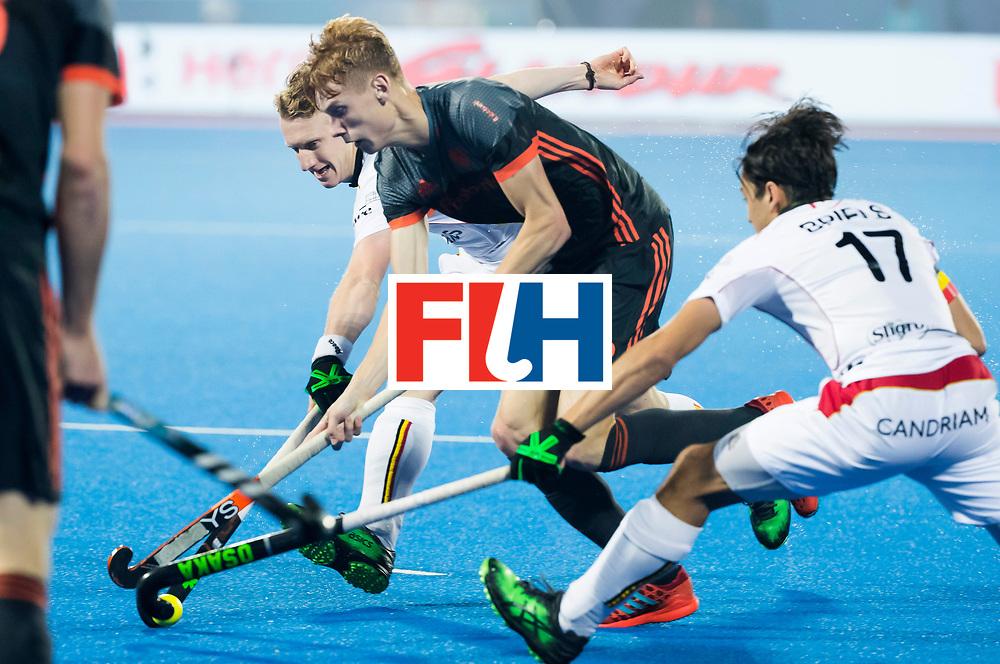 BHUBANESWAR - Joep de Mol (Ned) in duel met Thomas Briels (Bel) en Amaury Keusters (Bel)  tijdens de Hockey World League Final wedstrijd Belgie-Nederland. COPYRIGHT KOEN SUYK