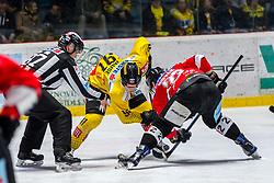 15.03.2019, Ice Rink, Znojmo, CZE, EBEL, HC Orli Znojmo vs Vienna Capitals, Viertelfinale, 2. Spiel, im Bild v.l. Taylor Vause (Vienna Capitals) Patrik Novak (HC Orli Znojmo) // during the Erste Bank Icehockey 2nd quarterfinal match between HC Orli Znojmo and Vienna Capitals at the Ice Rink in Znojmo, Czech Republic on 2019/03/15. EXPA Pictures © 2019, PhotoCredit: EXPA/ Rostislav Pfeffer