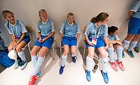 AMSTELVEEN - Bloeme en Hadewig van Kessel met de ballenkinderen.  bij de Rabo Eurohockey Championships 2017.  COPYRIGHT KOEN SUYK