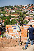 Belo Horizonte_MG, Brasil...Ocupacao de terreno no Bairro Ceu Azul conhecida como Dandara. A invasao do terreno foi e coordenada pela Brigada, braco urbano do MST...The Dandara occupation in the Ceu Azul neighborhood. The invasion was coordinated by the brigade, urban arm of the MST...Foto: JOAO MARCOS ROSA / NITRO