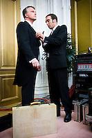 Nederland. Den Haag, 18 september 2007.<br /> Prinsjesdag. Minister Bos voor de eerste maal met het koffertje. Microfoon opgespeld vlak voor een live tv uitzending.<br /> Foto Martijn Beekman <br /> NIET VOOR TROUW, AD, TELEGRAAF, NRC EN HET PAROOL
