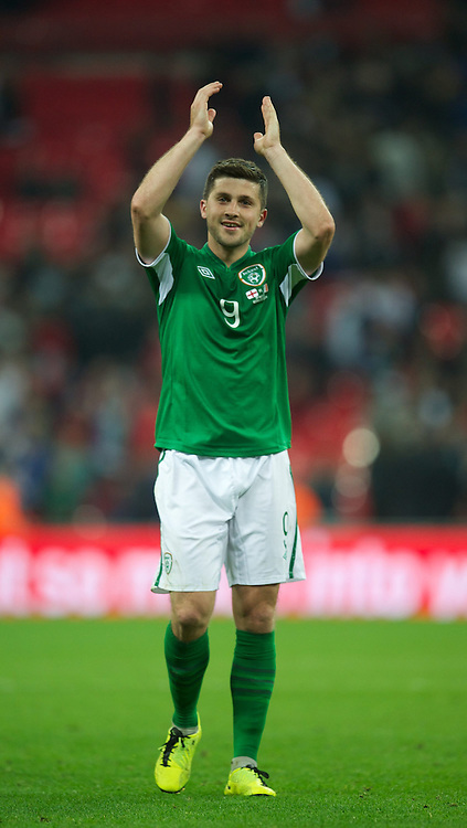 29.05.2013, Wembley Stadion, London, ENG, Testspiel, England vs Irland, im Bild Republic of Ireland's Shane Long celebrates after his goal helped seal a 1-1 draw against England during during International Friendly Match between England and Republic of Ireland at the Wembley Stadium, London, United Kingdom on 2013/05/29. EXPA Pictures &copy; 2013, PhotoCredit: EXPA/ Propagandaphoto/ David Rawcliffe<br /> <br /> ***** ATTENTION - OUT OF ENG, GBR, UK *****