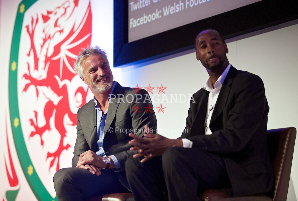 NEWPORT, WALES - Friday, May 29, 2015: David Ginola and Everton coach Dennis Lawrence during the Football Association of Wales' National Coaches Conference 2015 at the Celtic Manor Resort. (Pic by David Rawcliffe/Propaganda)