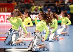"""11.01.2020, Stadthalle, Graz, AUT, EHF Euro 2020, Montenegro vs Serbien, Gruppe A, im Bild Tänzerinnen der """"Dance Production"""" // dancers of """"Dance Production"""" during the EHF 2020 European Handball Championship, group A match between Montenegro and Serbia at the Stadthalle in Graz, Austria on 2020/01/11. EXPA Pictures © 2020, PhotoCredit: EXPA/ Erwin Scheriau"""