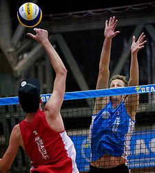 04-01-2020 NED: NK Beach volleyball Indoor, Aalsmeer<br /> Christiaan Varenhorst, Sven de Koe #2