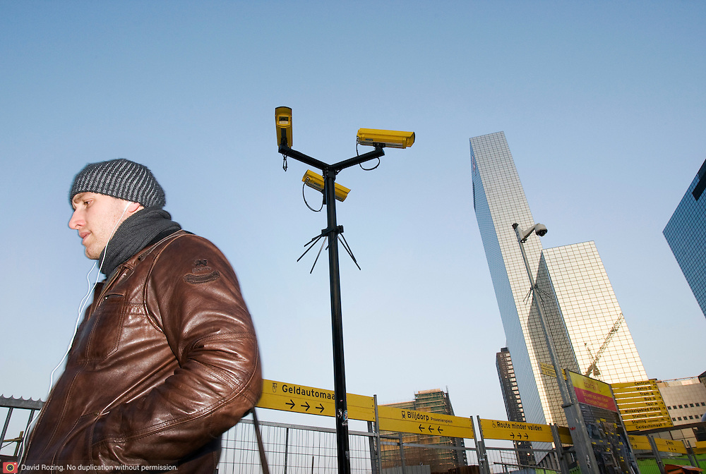 Nederland Rotterdam 27 januari 2009 20090127 Foto: David Rozing ..Camera bewaking op stationsplein centraal station .Camera's / security public area central station ..Foto David Rozing