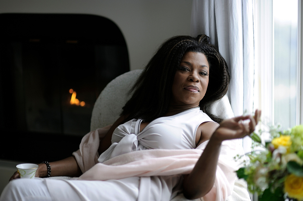 MALIBU, CA- April 3, 2017:  Lorraine Toussaint inside her favorite room in her Malibu home; her bedroom.  (Mariah Tauger /  For The Times)