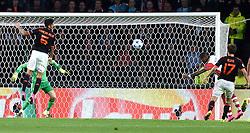 15-09-2015 NED: UEFA CL PSV - Manchester United, Eindhoven<br /> PSV kende een droomstart in de Champions League. De Eindhovenaren waren in eigen huis te sterk voor de miljoenenploeg Manchester United: 2-1 / Luciano Narsingh #11 scoort de 2-1
