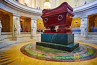 France, Paris (75), zone classée Patrimoine Mondial de l'UNESCO, cathédrale Saint-Louis-des-Invalides, le tombeau de Napoléon // France, Paris, Invalides, Saint-Louis-des-Invalides Cathedral, Napoleon tomb