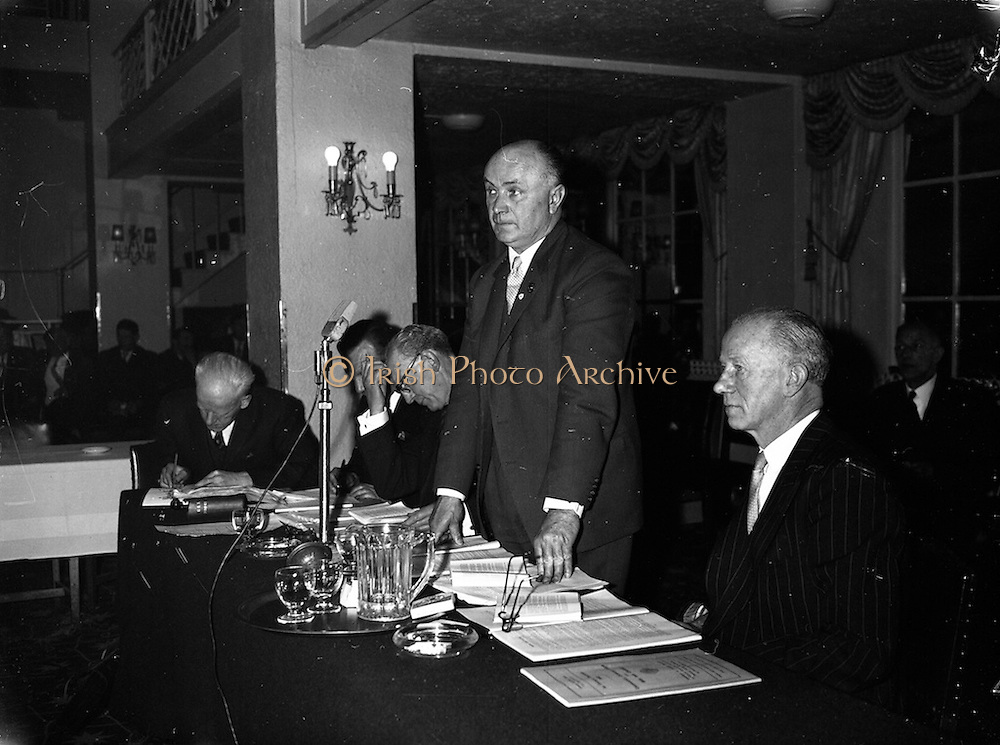 22/04/1962<br /> 04/22/1962<br /> 22 April 1962<br /> G.A.A. Annual Congress<br /> Mr. A. O'Broin, president of the G.A.A., addressing the G.A.A. Annual Congress at the Gresham Hotel, Dublin, on 22 April 1962. At left is Ard Runai P. O'Caoimh, and at right is former president Dr. S. Stiobhairt.