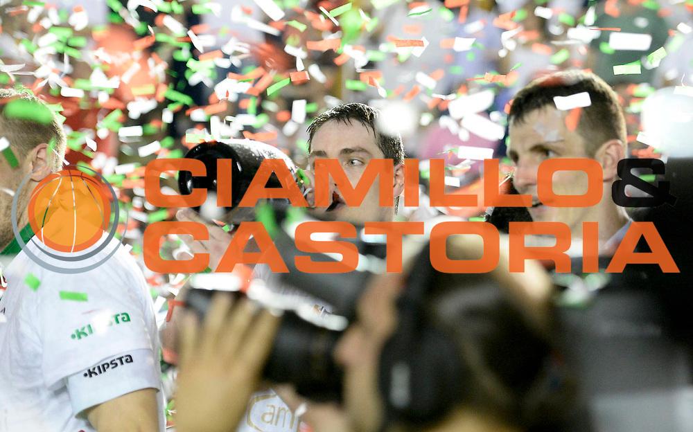 DESCRIZIONE : Roma Lega A 2012-13 Acea Virtus Roma Montepaschi Siena Finale Gara 5<br /> GIOCATORE : Kristjan Kangur <br /> CATEGORIA : premiazione <br /> SQUADRA : Montepaschi Siena<br /> EVENTO : Campionato Lega A 2012-2013 Play Off Finale Gara 5<br /> GARA : Acea Virtus Roma Montepaschi Siena Finale Gara 5<br /> DATA : 19/06/2013<br /> SPORT : Pallacanestro <br /> AUTORE : Agenzia Ciamillo-Castoria/N. Dalla Mura<br /> Galleria : Lega Basket A 2012-2013 <br /> Fotonotizia : Roma Lega A 2012-13 Acea Virtus Roma Montepaschi Siena Finale Gara 5