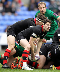 Edinburgh's Sam Hidalgo-Clyne passes out the ruck - Photo mandatory by-line: Robbie Stephenson/JMP - Mobile: 07966 386802 - 05/04/2015 - SPORT - Rugby - Reading - Madejski Stadium - London Irish v Edinburgh Rugby - European Rugby Challenge Cup
