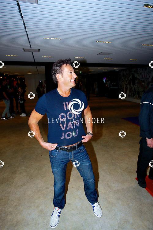 AMSTERDAM - Na het concert van De Toppers is er de welbekende VIP PARTY voor alle bekende Nederlanders. Met hier op de foto  Gerard Joling. FOTO LEVIN DEN BOER - PERSFOTO.NU