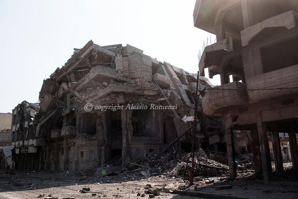 Iraq, Mosul: View of the heavily damaged Dawwasah neighbourhood in west Mosul. Alessio Romenzi