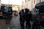 Roma 14 Dicembre 2010.Manifestazione contro il Governo Berlusconi.I manifestanti fronteggiano le forze del'ordine in via del Corso