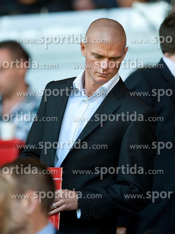 29.08.2010, Anfield, Liverpool, ENG, PL, Liverpool FC vs West Bromwich Albion?, im Bild Liverpool target Paul Konchesky prepares to see the side take on West Bromwich Albion in the Premiership match at Anfield, EXPA Pictures © 2010, PhotoCredit: EXPA/ Propaganda/ D. Rawcliffe *** ATTENTION *** UK OUT! / SPORTIDA PHOTO AGENCY