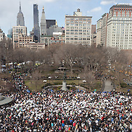 New York Pilows fighting day in Union Square