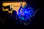 Un hombre participa en la fiesta religiosa  de La Tirana, realizada en honor a la Virgen del Carmen en el pueblo de La Tirana, ubicado 1.773 kilómetros al noreste de Santiago (Chile). La Tirana, población que cuenta con 600 habitantes, recibe entre 200.000 y 250.000 visitantes durante la semana de celebraciones a la que asisten fieles provenientes de diversas partes de Chile, Perú y Bolivia.