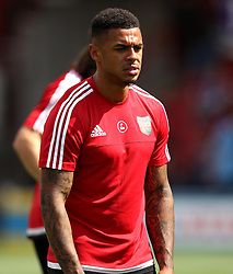Brentford's Andre Gray warms up - Mandatory by-line: Robbie Stephenson/JMP - 07966386802 - 08/08/2015 - SPORT - FOOTBALL - Brentford,England - Griffin Park - Brentford v Ipswich Town - Sky-Bet Championship