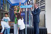 Koningin Máxima opent de Superstraat in het Wereldmuseum