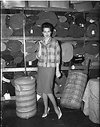 01/03/1962.03/01/1962.01 March 1962.Tweed suits fashion images at Perry's Tweed manufacturer, York Street.