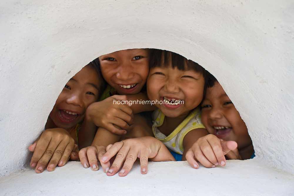 Vietnam Images-Children-People-Smile-Quang Ngai. hoàng thế nhiệm hoàng thế nhiệm