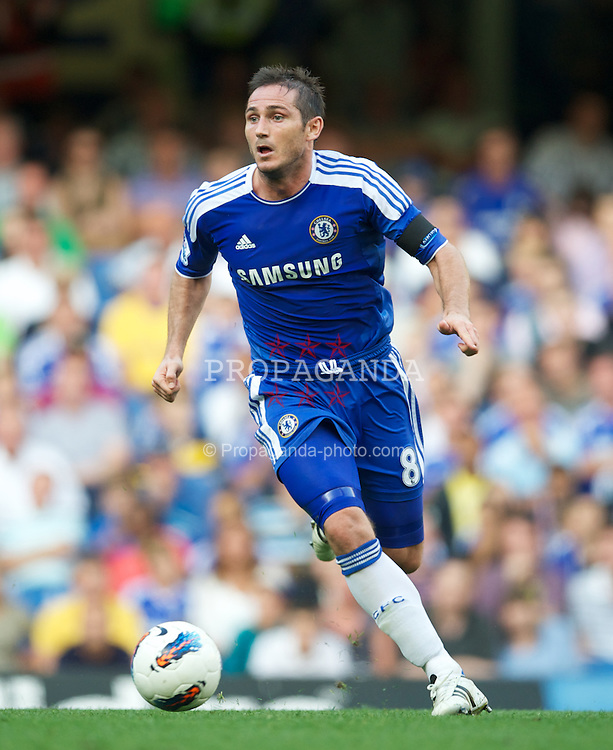 LONDON, ENGLAND - Saturday, August 20, 2011: Chelsea's captain Frank Lampard in action against West Bromwich Albion during the Premiership match at Stamford Bridge. (Pic by David Rawcliffe/Propaganda)