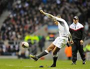 Twickenham, GREAT BRITAIN, Toby FLOOD kicking  during the Investec,  Autumn International, Challenge Series, England vs Samoa, at Twickenham Stadium, Surrey on Saturday  20/11/2010   [ Mandatory Credit, Peter Spurrier/Intersport-images]