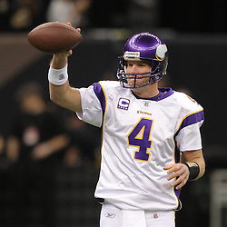 Jan 24, 2010; New Orleans, LA, USA; Minnesota Vikings quarterback Brett Favre (4) waves to fans during warm ups prior to kickoff of the 2010 NFC Championship game at the Louisiana Superdome. Mandatory Credit: Derick E. Hingle-US PRESSWIRE