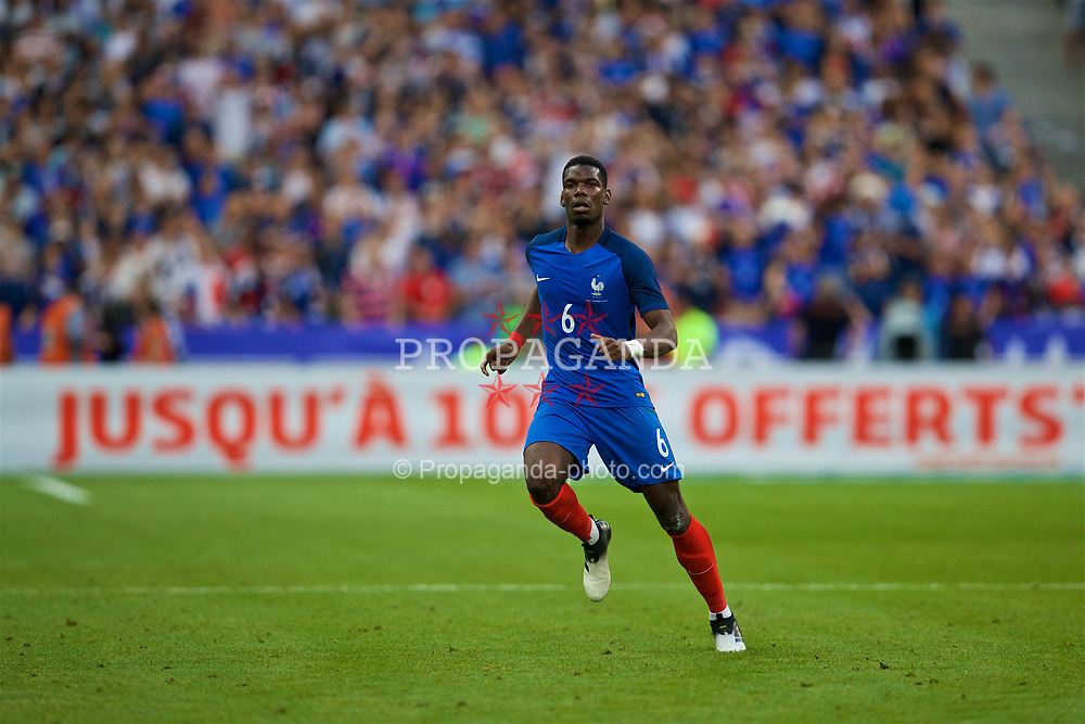 PARIS, FRANCE - Tuesday, June 13, 2017: France's Paul Pogba in action against England during an international friendly match at the Stade de France. (Pic by David Rawcliffe/Propaganda)