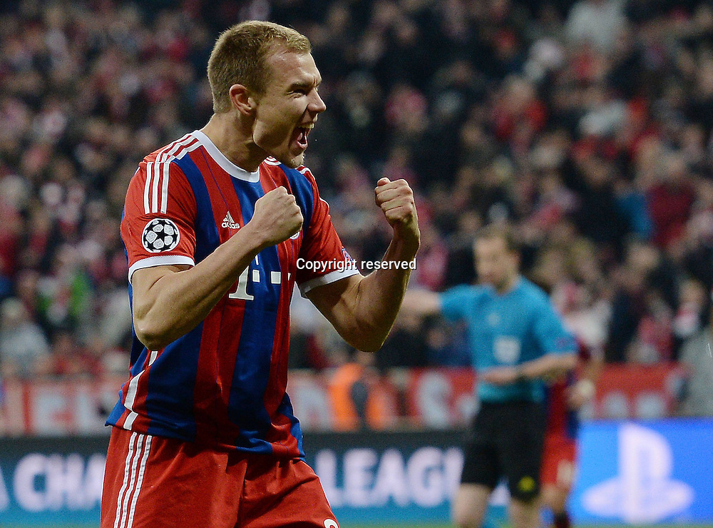 11.03.2015. Allianz Stadium, Munich, Germany. UEFA Champions League football. Bayern Munich versus Shakhtar Donetsk. Holger Badstuber (FC Bayern Muenchen) celebrates his goal for goal 5:0 The game ended 7-0 to Bayern over Shakhtar.