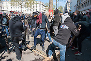 Boulevard Diderot, Paris, France. 1st May 2016. Hundreds of masked protesters clash with police on the Boulevard Diderot in central Paris on May Day demonstrations    // Lee Thomas, Flat 47a Park East Building, Bow Quarter, London, E3 2UT. Tel. 07784142973. Email: leepthomas@gmail.com. www.leept.co.uk (0000635435)